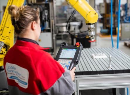 Le Pôle Formation des Industries Technologique, intégré à l' UIMM, est basé dans les Ardennes, à Charleville-Mézières et à Sedan