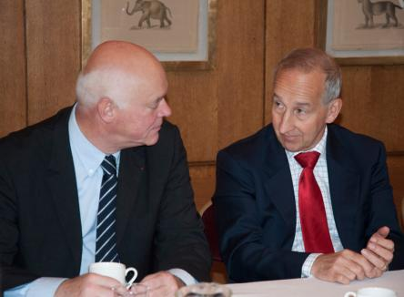 Son Excellence Sir Peter Ricketts, ambassadeur de Grande-Bretagne à Paris, dans le cadre d'un colloque consacré à l'avenir de la Grande-Bretagne en Europe