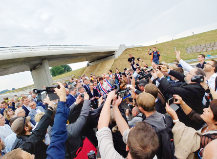 End of July 2018, the new Ardennes motorway (A304), was opened by French Transport Minister, Elisabeth Borne, with a wide range of other French and Belgian political and economic figures