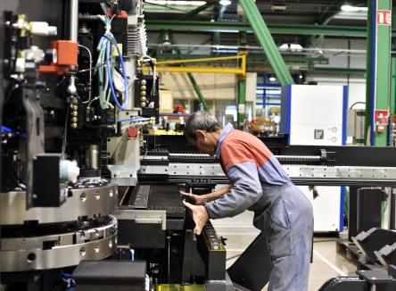 The Japanese group Amada (2.5 billion euros in turnover, 8 000 employees), one of the global leaders in laser-cutting and sheet metal punching and folding machines manufacturing, is investing and consolidating its production site in the Ardennes to make it become its European centre