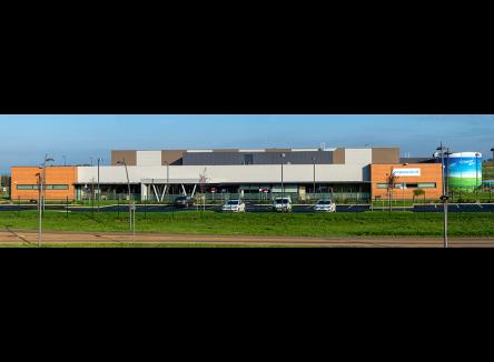 Amphenol Air LB France, dans les Ardennes au Nord-Est de la France, propose des solutions d'interconnexions pour de nombreux secteurs : aéronautique, défense, ferroviaire, énergie, médical