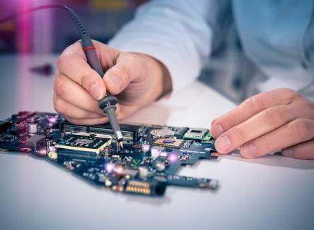 ID-REP Electronic, un leader européen de la maintenance de systèmes électroniques industriels, est basée dans les Ardennes sur le Parc d'Activités Ardennes Emeraude à Tournes