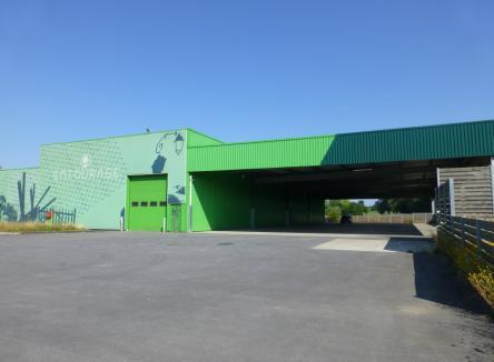 Basé au cœur du Parc d'Activités Ecovert, sur la commune de Vivier-au-Court dans les Ardennes, cet ensemble immobilier est prêt à accueillir de nouvelles entreprises