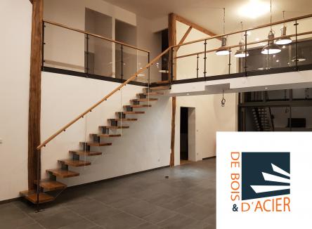 Spécialisée dans la conception et la réalisation de menuiserie contemporaine, en particulier les escaliers, la société De Bois et d'Acier a de belles créations à son actif depuis son implantation en 2016 à Donchery, accompagnée par Ardennes Développement