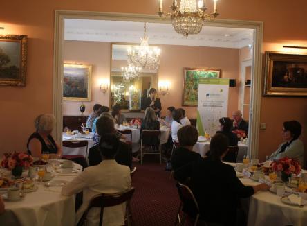 Ardennes Développement a organisé à l'Assemblée Nationale avec Mme Bérengère Poletti, députée des Ardennes, une réunion d'échanges visant à faire connaître le département auprès de dirigeantes économiques de rang national