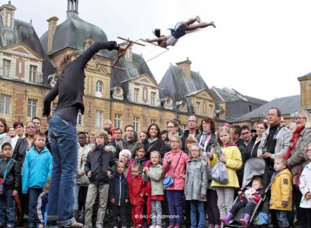 Charleville-Mézières dans les Ardennes s'apprête à coiffer fièrement sa couronne de capitale mondiale de la marionnette pour la 19ème édition du Festival mondial des théâtres de marionnettes du 16 au 24 septembre 2017