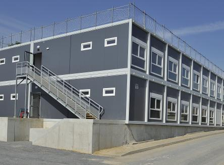 The Ardennes County Council has built a two-floor modular building dedicated to house a client relationship center, with direct access to A34 freeway