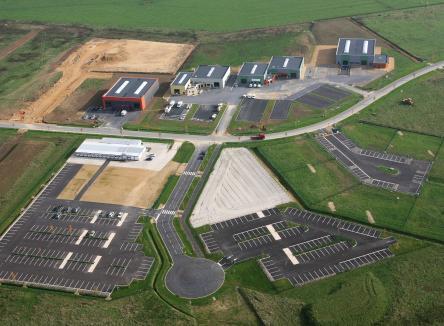 Située sur la Communauté de Communes des Portes du Luxembourg, la Z.A. de Douzy propose un large choix de terrains nus et viabilisés, au cœur du