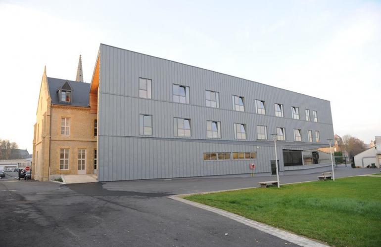 Créé en 1956, le lycée Jean-Baptiste Clément de Sedan est le seul établissement public industriel de la région Champagne-Ardenne, formant du CAP (Certificat d'Aptitude Professionnel) au BTS (Brevet Technologique et Scientifique), dans les Ardennes au Nord-Est de la France