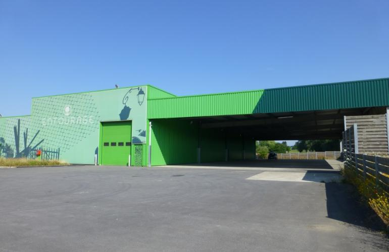 This 1,725m² business complex based in the heart of the Ecovert Business Park in Vivier-au-Court, in French Ardennes, has spaces available for new businesses