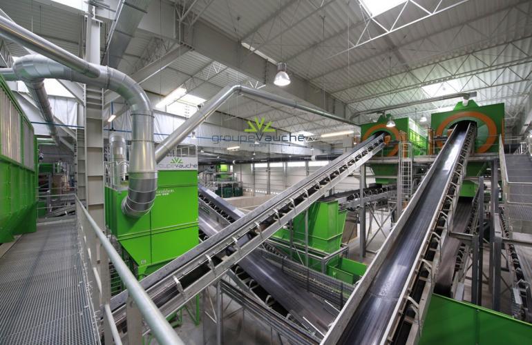 Implanté à Sedan, le Groupe Vauché propose des solutions industrielles innovantes de tri et de valorisation des déchets, dans les Ardennes au Nord-Est de la France