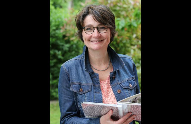 Isabelle GILLE a créé dans les Ardennes, au Nord-Est de la France, la société AUSUS Consulting spécialisée dans l'accompagnement individualisé des dirigeants