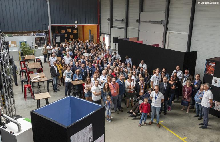 Basée à Charleville-Mézières dans les Ardennes, Isotip-Joncoux a célébré le 21 septembre dernier, les 100 ans d'histoire du Groupe Joncoux dont elle fait partie, en compagnie de ses collaborateurs et de leurs familles