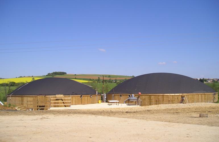 L'agriculture est un des secteurs les plus prolifiques des Ardennes où grandes cultures côtoient élevages performants, dans les Ardennes au Nord-Est de la France