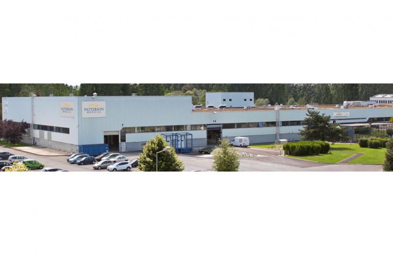 Implanté à Charleville-Mézières dans les Ardennes, au Nord-Est de la France, le groupe Patterson est devenu un des leaders mondiaux sur les marchés vétérinaire, dentaire et médical